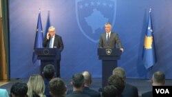 Predsednik Evropske komisije Žan Klod Junker i predsednik Kosova Hašim Tači na zajedničkoj konferenciji za novinare, Priština 28. februar 2018.