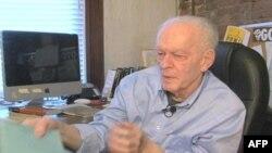Xhin Sharp, strategu i rezistecës paqësore