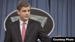 피터 쿡 미국 국방부 대변인 (자료사진)
