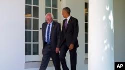 奧巴馬總統在星期四早上於白宮接見民主黨總統參選人桑德斯參議員