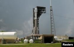 Ракета Atlas V с капсулой Boeing's CST-100 на стартовой площадке, Мыс Канаверал, Флорида, 29 июля 2021 года