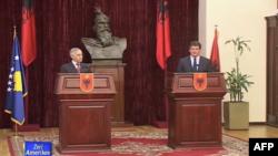 Kosova dhe Shqipëria i përgjigjen njëzëri raportit të Dik Martit