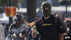 Biểu tình bạo động ở Quảng trường Syntagma trong thủ đô Athens, Hy Lạp