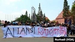 Ribuan mahasiswa Yogyakarta tergabung dalam Aliansi Rakyat Bergerak. (Foto:Terkini.com/ Nurhadi)