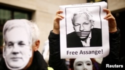 Des manifestants pro-Assange contre son extradition aux Etats-Unis.