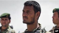 شلیک پیلوت افغانستان بر عساکر خارجی