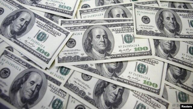 Lượng ngoại tệ được người Việt ở nước ngoài gửi về nước trong năm 2012 là hơn 10 tỷ USD.