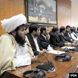 Para anggota parlemen Afghanistan yang baru terpilih.