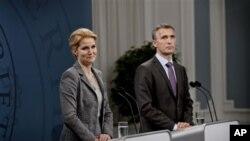 ျမန္မာႏုိင္ငံက သံရုံးဖြင့္ပြဲေတြကုိ ေနာ္ေ၀း၀န္ႀကီးခ်ဳပ္ Mr. Jens Stoltenberg (ယာ) နဲ႔ ဒိန္းမတ္၀န္ႀကီးခ်ဳပ္ Ms. Helle Thorning Schmidt (ဝဲ)လည္း တက္ေရာက္မွာ ျဖစ္ပါတယ္။