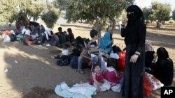 Keamanan di Suriah telah mempersulit upaya badan pangan dunia PBB (WFP) untuk mendistribusikan bantuan pangan bagi para pengungsi Suriah (foto: dok).