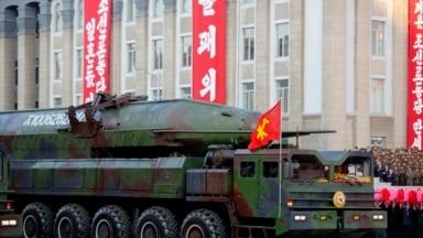 북한이 2015년 10월 노동당 창건 70주년 열병식에서 공개한 이동식 대륙간탄도미사일(KN-08)의 모습