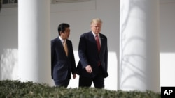 """""""Existen terribles amenazas contra nuestro país. No permitiremos que eso suceda, se los puedo garantizar. No permitiremos que eso suceda"""", dijo Trump durante la rueda de prensa con el primer ministro de Japón."""