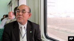 올해 4월 북한 장거리 미사일 발사 당시, 동창리 발사장으로 이동하는 기차 안에서 노수희 남북통일 범민족연합 남측본부 부의장.