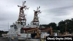 Передача патрульных катеров Береговой охраны США украинским ВМС. Архивное фото.