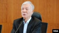 佔中發起人朱耀明表示,港府應該實施民主、公平的選舉制度,才能解決目前和平佔中的問題