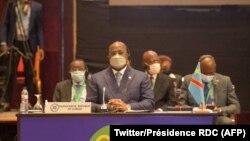 président Félix Tshisekedi ya RDC na likita lya bakambi ba SADC na Maputo, Mozambique, 23 juin 2021. (Twitter/Présidence RDC)