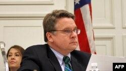 委员会主席、共和党众议员史密斯