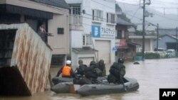 Nước lụt sau bão Talas ở Nhật
