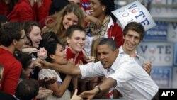 Обама обсуждает состояние экономики с потенциальными избирателями