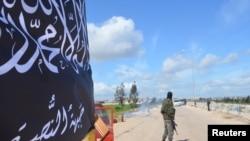 基地组织努斯拉阵线武装在伊德利卜一个检查点。