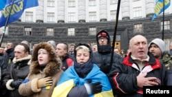 12月6日, 支持烏克蘭加入歐盟的示威者在基輔舉行抗議活動