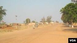 Combate à pobreza com dificuldades em Malanje - 0:55