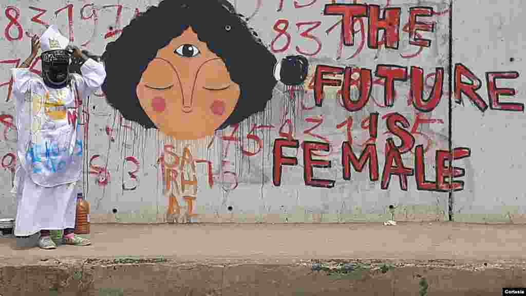 "Obra ""The Future is Female"" da grafiteira e artista plástica angolana Sarhai Costa"