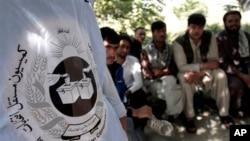 Dân Afghanistan tại một trung tâm đăng ký cử tri ở Kabul, Afghanistan, ngày 16/9/2013.