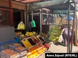 Kosovo - Stores in the multiethnic settlement of the Bosniak Mahala in North Mitrovica are working. This village is 200 meters away from the city center. Owners of Albanian ethnicity say that the Serbs from the north are trading freely for now. Kosovo - B