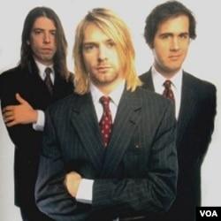 Anggota group band Nirvana: Dave Grohl, Kurt Cobain, dan Krist Novoselic (foto: dok).