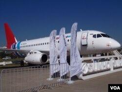 去年莫斯科航展上展出的苏霍伊超级支线客机。