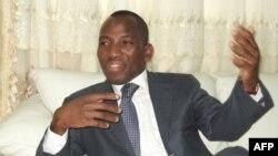 Le pouvoir salue la réforme constitutionnelle instituant la limitation des mandats présidentiels