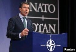 2014年4月1日北约秘书长拉斯穆森在布鲁塞尔北约外长会议新闻发布会