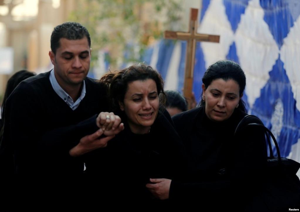 IŞİD Mısır'ın başkenti Kahire'de antik Kıpti Ortodoks Kilisesi yanındaki bir Hıristiyan mabetinde bombalı intihar eylemi düzenledi. Mabette ibadet eden 25 kişi hayatını kaybetti. 11 Aralık 2016
