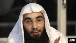 Fouad Belkacem, thủ lãnh của nhóm Sharia4Belgium, bị tuyên án 12 năm tù.