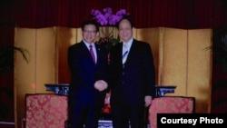 海基会董事长林中森(右)会晤海协会会长陈德铭(台湾海基会资料照片)