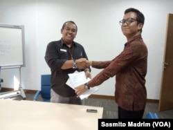 Sejumlah perwakilan Tim Advokasi Papua saat melapor ke Ombudsman Jakarta pada Rabu, 11 September 2019. (Foto: Sasmito Madrim/VOA)