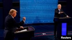 美国总统特朗普与民主党挑战者、前副总统乔·拜登2020年10月22日进行大选前最后一次面对面辩论 (路透社转发媒体联访照片)