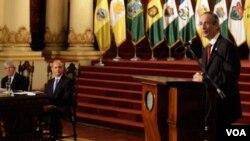 """La comisión presidida por el vicepresidente Rafael Espada, presentó el informe """"Consentir el Daño"""", que registra los experimentos realizados con pacientes vulnerables en Guatemala."""