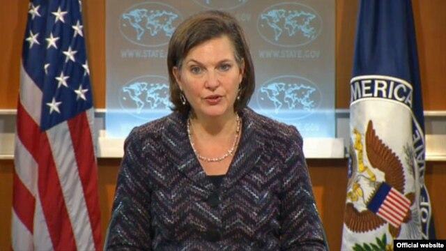 Phát ngôn viên Bộ Ngoại giao Hoa Kỳ Victoria Nuland cho biết Washington sẽ dành quyền định đoạt cho chính phủ ở Kabul