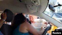 Tramp deli pomoć stanovnicima Nju Berna, u Severnoj Karolini