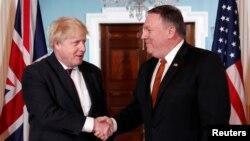 Ngoại trưởng Mỹ Mike Pompeo (phải), gặp Ngoại trưởng Anh Boris Johnson tại Bộ Ngoại giao ở Washington, ngày 7/5/2018.