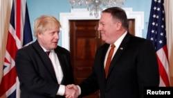 Britanski šef diplomatije pred razgovor sa američkim državnim sekretarom Majkom Pompeom u Stejt departmentu (Foto: Reuters/Kevin Lamarque)