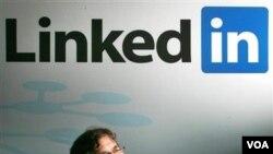 Pendiri situs LinkedIn, Reid Hoffman. Linkedin adalah situs jejaring terbesar bagi para profesional dan pencari kerja.
