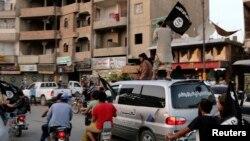 29일 이라크 라카의 ISIL 단원들 (자료사진)