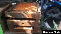 Mesin press plat besi atau moulding yang diduga menjadi tempat menyimpan narkoba. (Foto: dokumentasi keluarga)