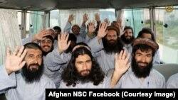 Afganistan hükümeti 900 Taleban üyesi mahkumu serbest bırakacağını açıkladı.