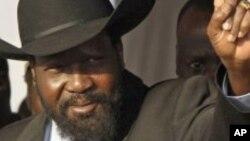 Salva Kiir, le président du Sud-Soudan, a été le premier à voter dimanche au mausolée de John Garang, à Juba.