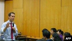 Помощник заместителя госсекретаря США по вопросам демократии, прав человека и труда Даниэл Баер