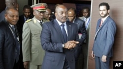 Democratic Republic of Congo President Joseph Kabila arrives for a southern and central African leaders' meeting to discuss the political crisis his country, in Luanda, Angola, Oct. 26, 2016. The U.S. and EU have imposed sanctions on nine DRC officials who allegedly have been enabling Kabila to prolong his term in office.